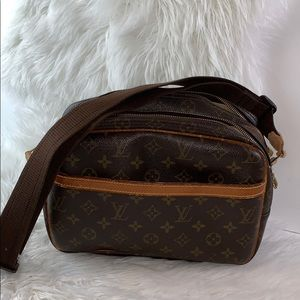 Louis Vuitton vintage monogram canvas Reporter PM